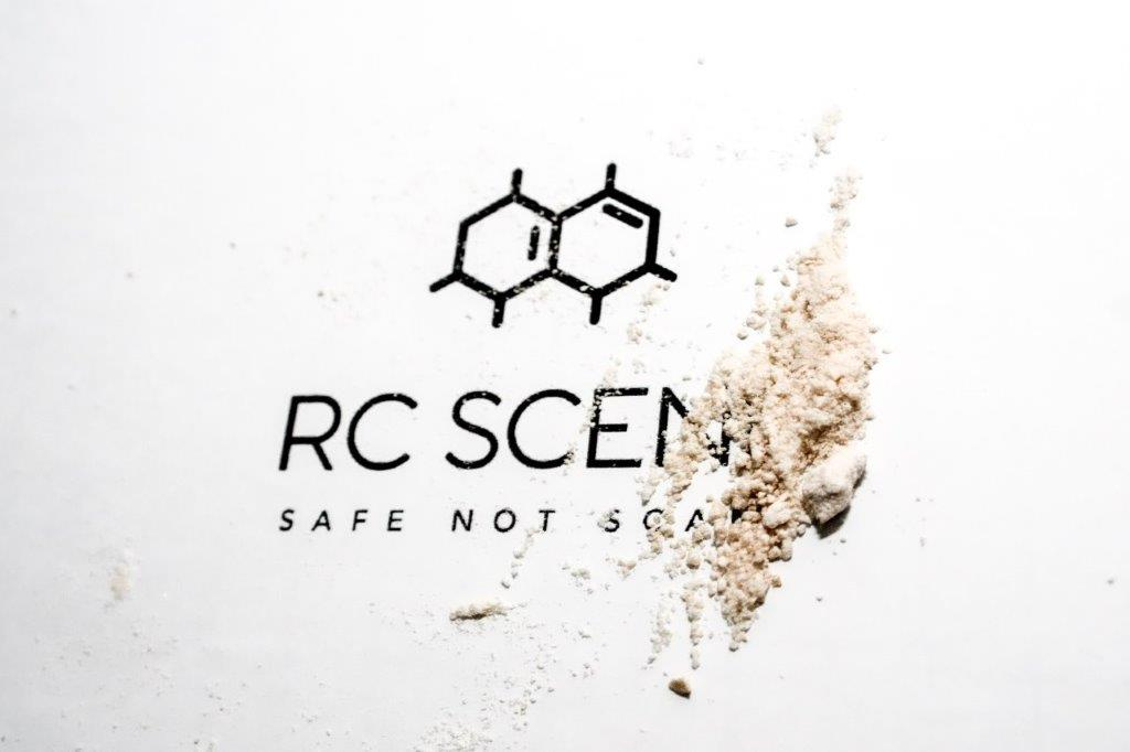 RC SCENE LOGO WITH POWDER
