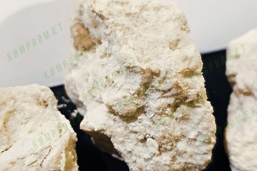 A-PiHP rocks, closeups